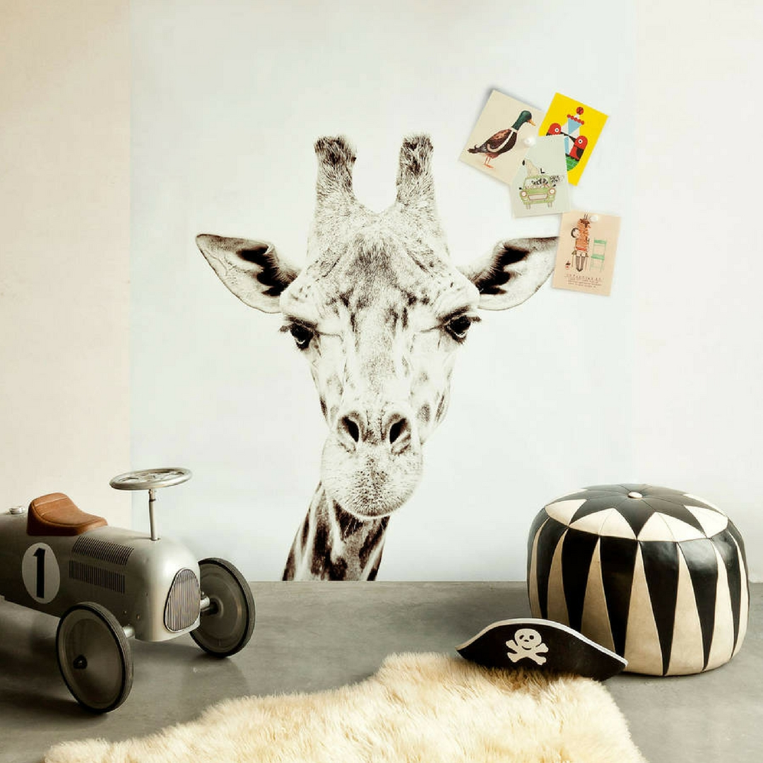 magnetic giraffe wallpaper, White Mica