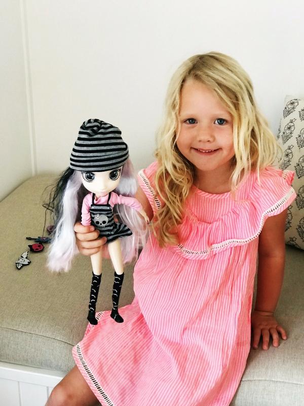 Shibajuku doll, Yoko, fun toys