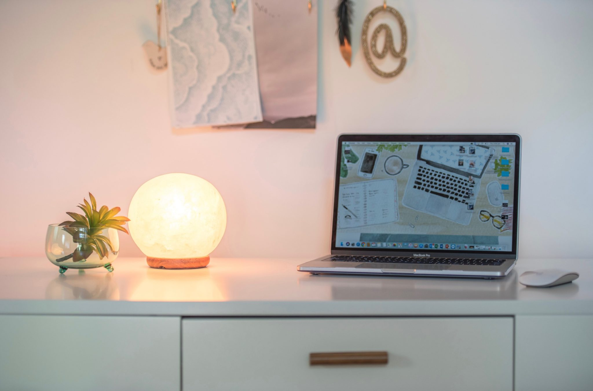 salt lamp, home office